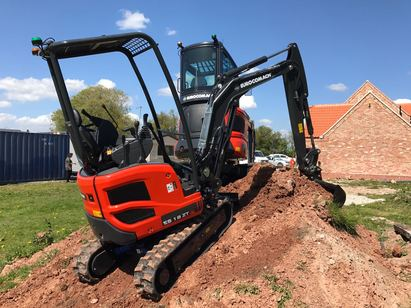 EUROCOMACH ES 1.8 ZT MINI DIGGER ZERO TAIL SWING